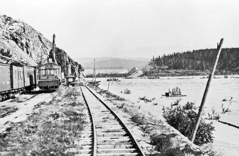 Chitina crossing work train